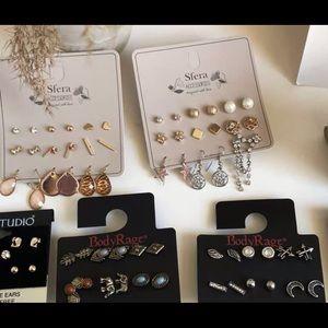 6-10 pairs of earrings gift bag